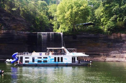 Heaven on a Houseboat: Add Lake Cumberland to the Bucket List