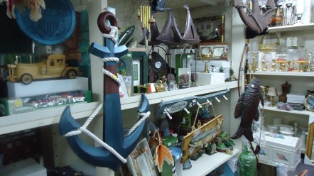 TREASURE NOOK Gift Shop & Souvenirs