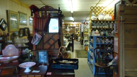 ANTIQUES – RUSSELL SPRINGS ANTIQUE MALL