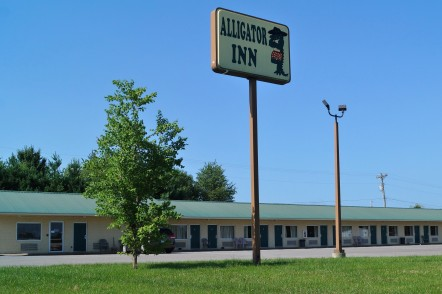 Alligator Inn – Newly Built Motel