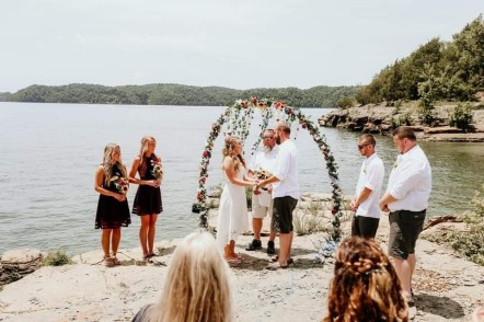 "Lake Cumberland Wedding Ideas – Say ""I Do"" In Style"