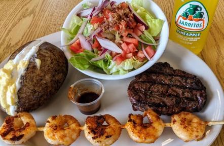 Los Chic's Restaurant & Grill