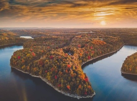 Fall Leaf Travel Ideas Around Lake Cumberland, Kentucky