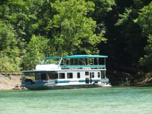 Photo of a houseboat rental on Lake Cumberland