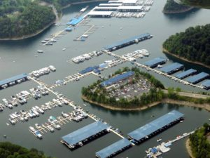 Photo from above of Jamestown Marina and Lake Cumberland Houseboats , cabins and Lake Cumberland Hotel