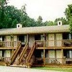 photo of lodging at Timber Pointe Resort which is located less than a mile from Jamestown Marina and Lake Cumberland