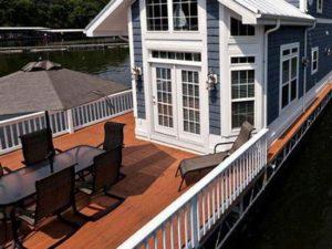 Floating cabins on Lake Cumberland