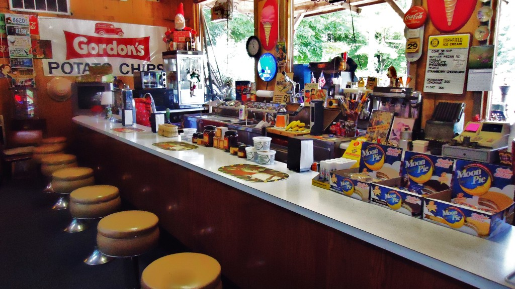 PIONEER ANTIQUES WORKING SODA FOUNTAIN- Jamestown