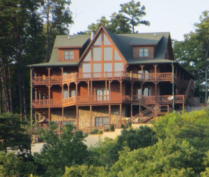 photo of Look Out Lodge vacation rental cabin on Lake Cumberland. Photo of 4-story log cabin in Kentucky on Lake Cumberland