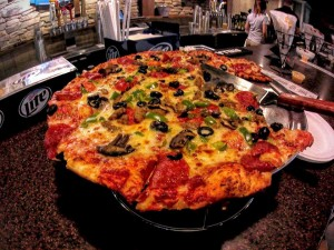 photo of Lake Cumberland dining. Cumberland Tap pizza, Jamestown Marina on Lake Cumberland, located close to the Lake Cumberland State Resort Park