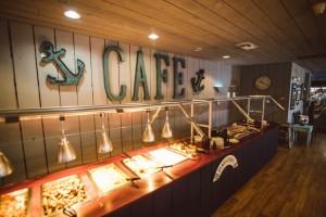 Photo of a buffet dinner at Lake Cumberland's Jamestown Marina