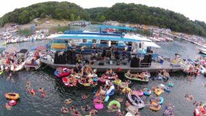 photo of the Lake Cumberland Raft Up - world's largest