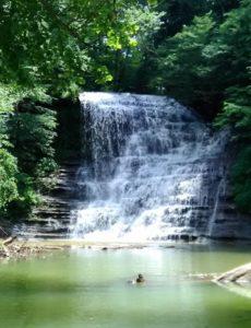 Photo of a Lake Cumberland Waterfall in the Beaver Creek Area