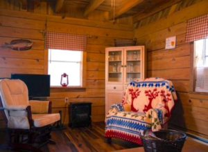 Gorgeous authentic Kentucky Cabin Rental near the Cumberland River and Lake Cumberland