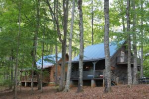 Lake Cumberland State Park and many marinas offer cabin rentals