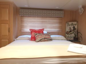 Lake Cumberland houseboats come complete with lovely and luxurious bedroom suites