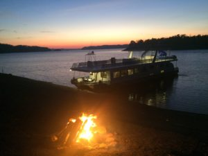 Lake Cumberland sunset from the shores of Low Gap Island - houseboat