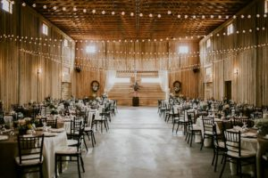 The Barn at Goose Creek is a gorgeous wedding venue close to Lake Cumberland Kentucky