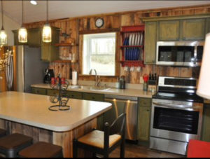 Cabin rental on the Cumberland River and close to Lake Cumberland in Kentucky