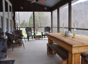 Kentucky Vacation Cabin with porch that overlooks the beautiful Cumberland River