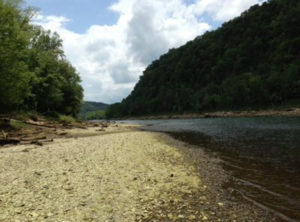 Cumberland River Cabin Rental with private boat ramp