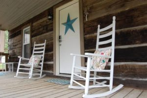Rustic Retreat is a beautiful cabin located on Lake Cumberland and sleeps ten people