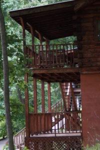 Lakeside cabin rentals on Lake Cumberland at Lake Cumberland Marina