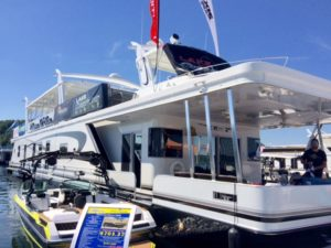 Lake Cumberland boating in Kentucky and the In-Water Boat show