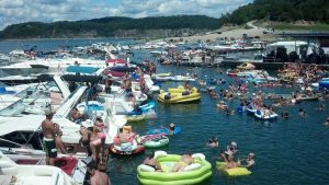 The world's largest raft up is on Lake Cumberland in Kentucky