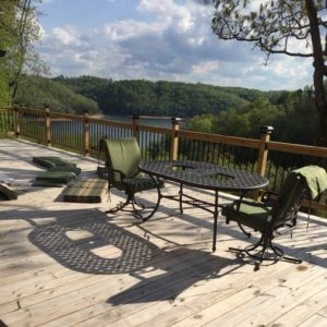 The Strehl Lakeside rental cabin on Lake Cumberland is spacious and sleeps 8 guests comfortably