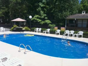 Timber Pointe Resort - Best Kentucky places to stay with an outdoor swimming pool
