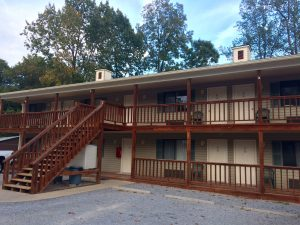 Timber Pointe Resort is located less than a mile from Lake Cumberland