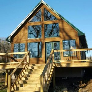 Eagle Vacation Rental is located on the Cumberland River in Jamestown Kentucky