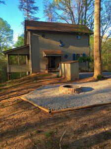 Lake House Hideaway Kentucky cabin rental on Lake Cumberland
